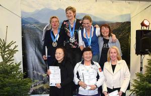 De medailles en alle deelneemsters L55